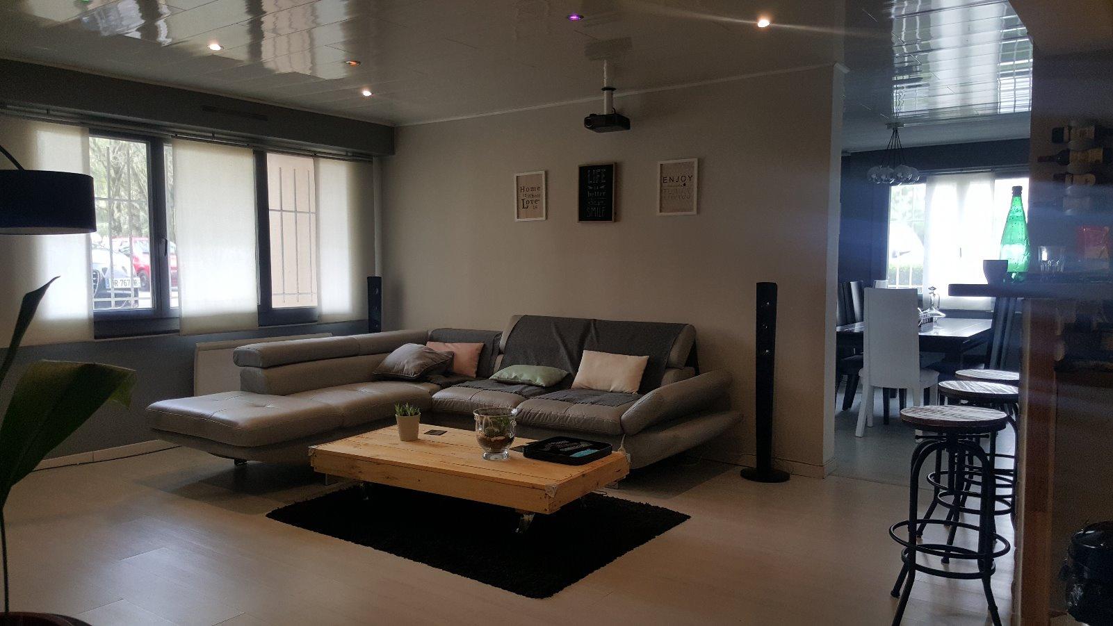 annonce vente appartement pau 64000 83 m 135 000 992737809674. Black Bedroom Furniture Sets. Home Design Ideas